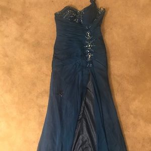 Dresses & Skirts - Blue prom dress with slit